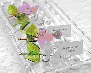 Escort card grapes